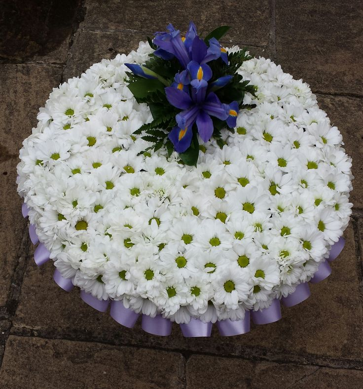 Posy Pad with arrangement detailing.
