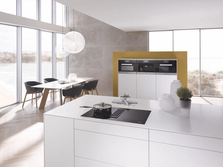 Elegant Inductieplaat van Miele voor kookeiland TwoInOne met werkbladafzuiging keuken koken Keukens Inductie kookplaten Pinterest Kitchens