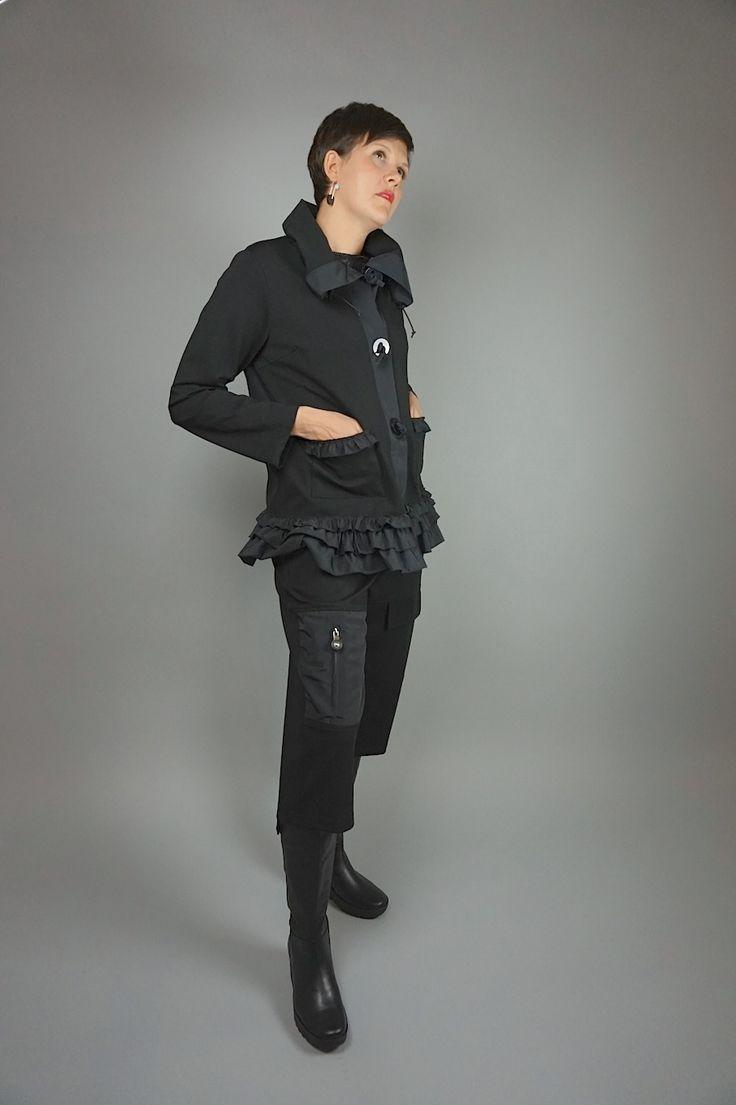Mika Jacket by Lousje & Bean http://www.lousjeandbean.ca/shop/mika-jacket/ Pontie pants by Lousje & Bean http://www.lousjeandbean.ca/shop/ponte-pants/ #lousjeandbean #womenspants #womensjacket #europeanfashion #canadianmade
