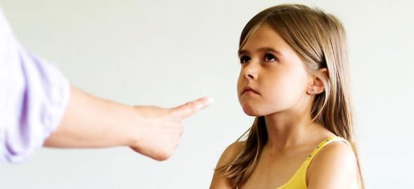 Ξέρετε ποια είναι τα λάθη που κάνετε διαρκώς με το παιδί σας και καταλήγετε σε καθημερινές συγκρούσεις; Η ειδικός εξηγεί.