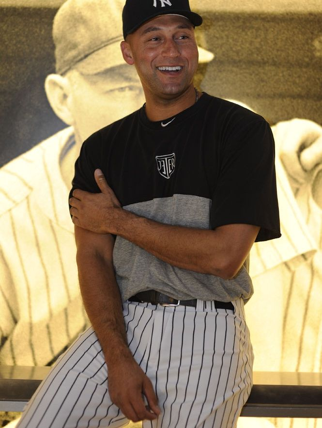 NY Yankees - Derek Jeter  WOW!! BEST PICTURE EVER!!