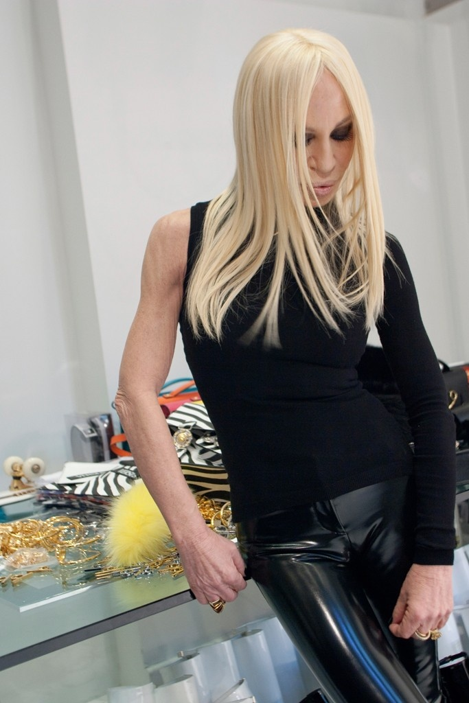 the odd couple donatella versace and j w anderson for. Black Bedroom Furniture Sets. Home Design Ideas
