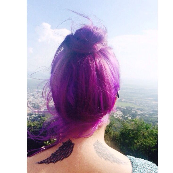 Tatuaje #alas #espalda #tattoo # purple hair