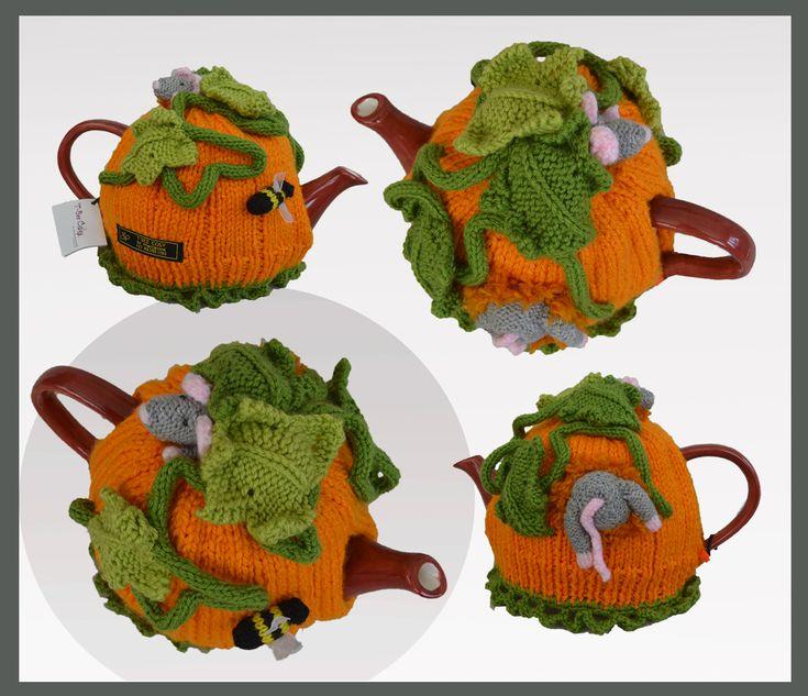 Pumpkin Field Mouse Tea Cosy!