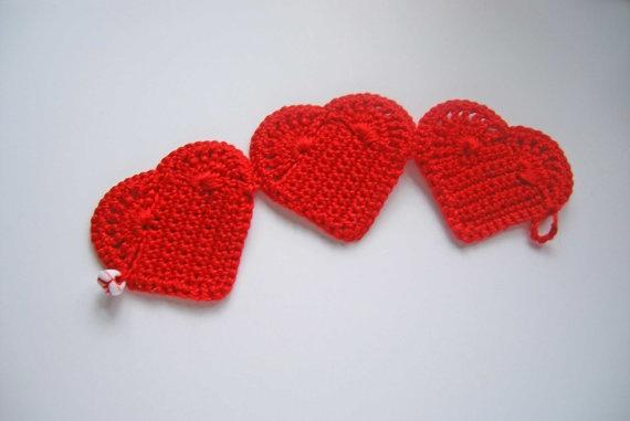 Valentine Heart Bracelet  Textile Jewelry by HuggleKnits on Etsy, €19.50