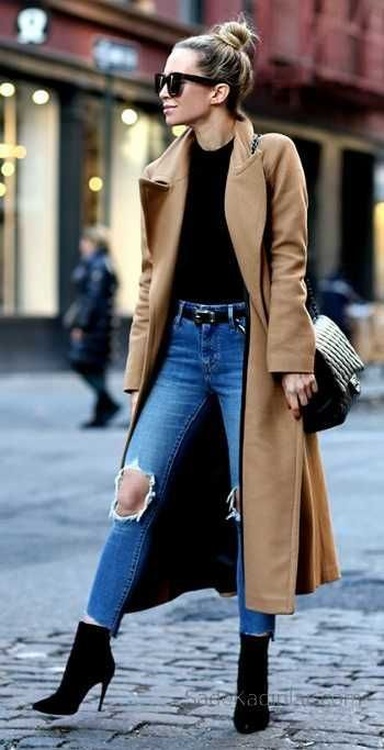 2018-2019 Autumn Winter Combinations Blue Ripped Pants Black Pullover Brown Coats