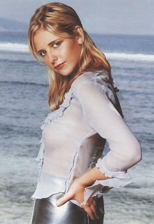 The sexiest Sarah Michelle Gellar photos, including the sexiest shots of the hot actress still best known for role on Buffy the Vampire Slayer alongside sexy Eliza Dushku and hot Michelle Trachtenberg. One of the top '90s starlets who stayed hot, Gellar is still one of the ho...