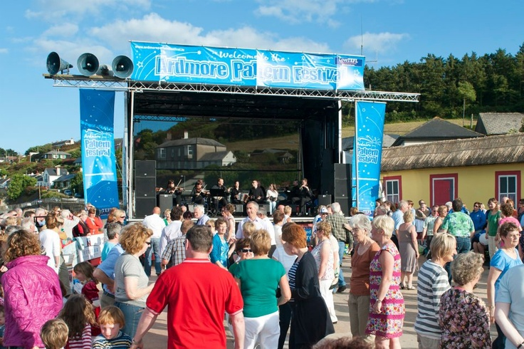 Thousands flock to Ardmore, Co. Waterford every July for a weekend of family free fun! #ardmorepatternfestival #munster #entertainment #discoverireland #gathering