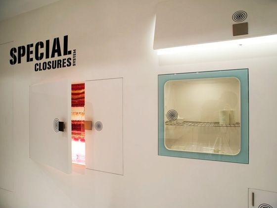 Linvisibile Extra Closures, Showroom. Opening detail, finished as wall.