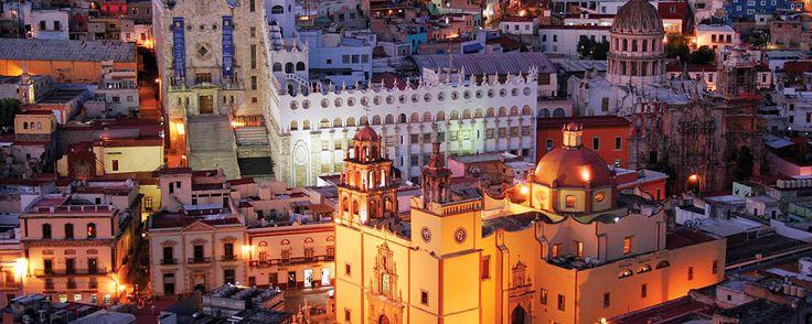 Sin lugar a dudas, el principal atractivo de la ciudad de Guanajuato, capital del estado del mismo nombre, declarada por la UNESCO Patrimonio Cultural de la Humanidad en 1988, es su exquisita arquitectura colonial y su distintivo trazo urbano.