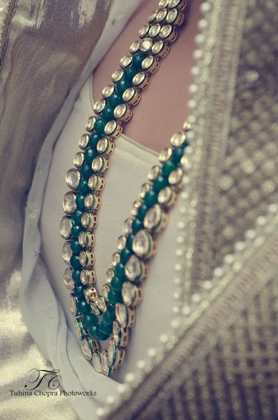 Indian Wedding Jewelry - Polki and Emerald Necklace | WedMeGood #wedmegood #emerald #polki #necklace #gold #indianbride #indianjewelry #jewelry