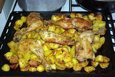 La meilleure recette de Cuisse De Poulet Au Four Façon Nanou! L'essayer, c'est l'adopter! 5.0/5 (4 votes), 4 Commentaires. Ingrédients: - 800 gr de Pommes-De-Terre Roseval (Rose) - 4 Cuisses De Poulet Fermier - 8 càs d'Huile d'Olive - 1 Oignon - 1 càs De Paprika - 1 càs + 1 càc d'Herbes De Provence - 1 càs De Curcuma - Sel et Mélange de 5 Baies - 1 Grand Sac De Congélation (au moins 3 litres)