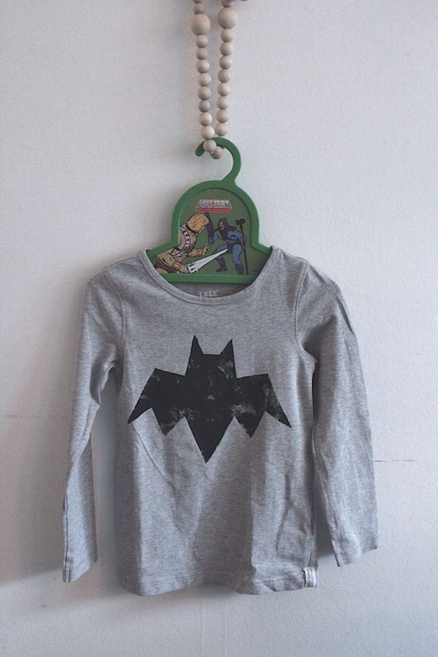 www.hui-hai.blogspot.com  DYI Batman shirt.