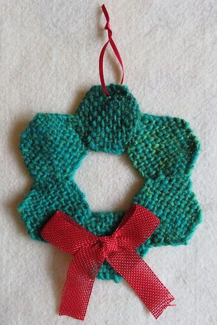 Ravelry: TexasGabi's TURTLE Hexagon Pin Loom: Wreath Ornament