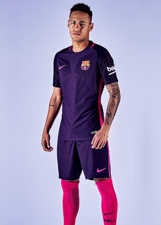 Purple Barça kit.