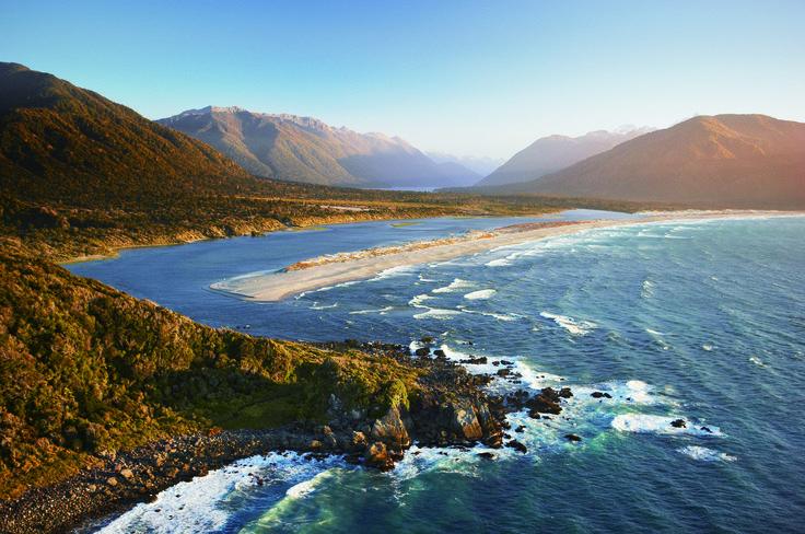 Hollyford Track - New Zealand