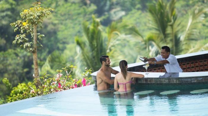 Padma Resort Ubud Bali - Kolam Renang Hangat di Malam Hari, Pemandangannya Romantis Banget