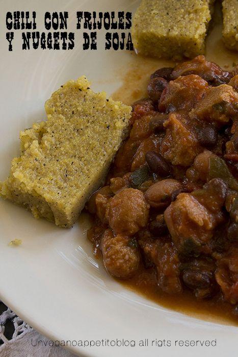 Vegan chili con fagioli e bocconcini di soia