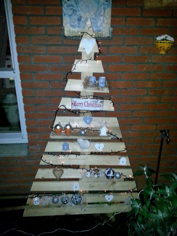 Houten kerstboom voor schoonma