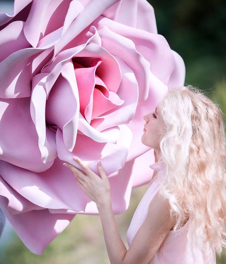 Кто красивее девушка или цветок?  #изолон #изолонппэ #большиецветы #цветыизизолона #крыльяизизолона #isolon #izolon #гигантскиецветы #декор #handmade #рукоделие #декорирование #Косплей #маскиизиолона #фотозонаизизолона #фотозона #оформлениесвадьбы #ростовыецветы #flowerfoam #гигантскиецветы #фоамиран