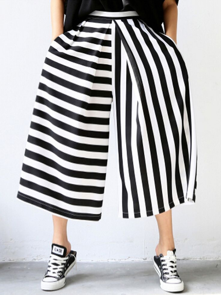Monochrome Stripe Print Crop Palazzo Pants | Choies. I'd never wear these but I'm strangely drawn to them.
