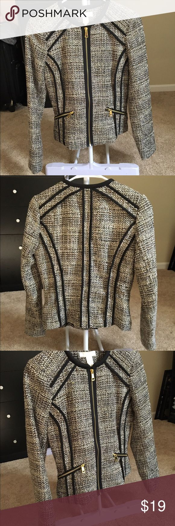 H&M Jacket Beautiful pattern jacket with hints of cream, gray and black colors and Gold zippers. In excellent condition!! The jacket is a size 6 but I am size Small and fits me comfortably. H&M Jackets & Coats Blazers