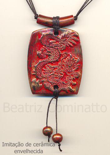 Imitação de cerâmica envelhecida feita com cerâmica plástica (polymer clay) by Beatriz Cominatto, via Flickr