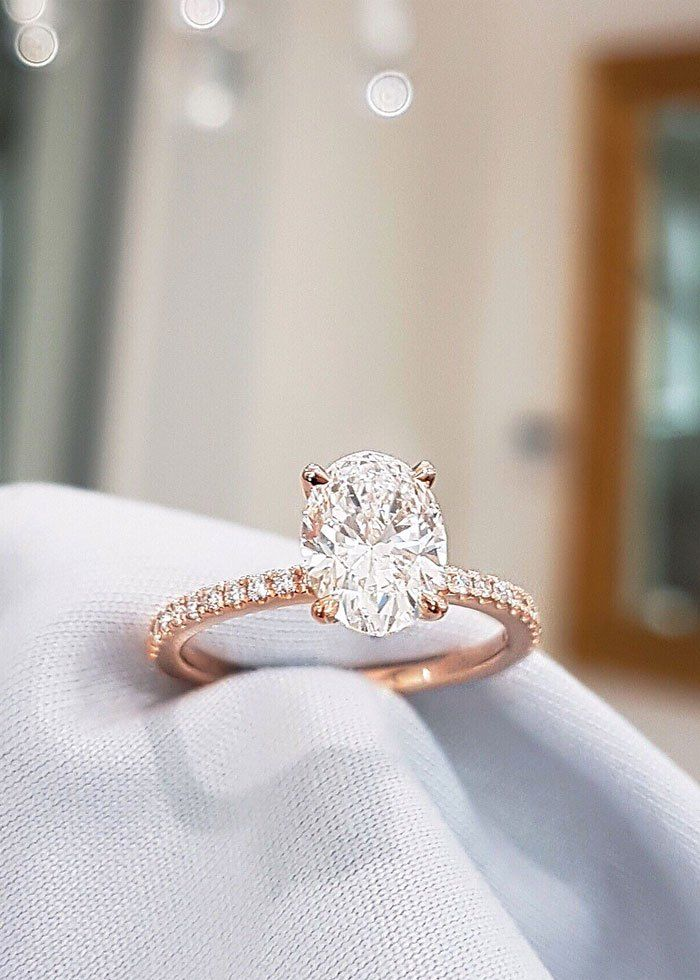 Oval cut diamond engagement ring in rose gold with side stones,Oval cut solitaire engagement ring
