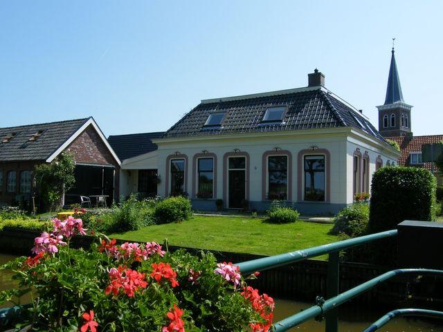 Dekemawei 14, Baard (Fr) | Prachtige voormalige rentenierswoning in FRIESLAND Nu in prijs verlaagd http://www.ismmakelaars.com/listings/dekemawei-14-baard-fr/