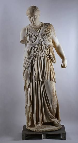 "Statue of Athena with ""crossed aegis"" Pergamon, Athenaheiligtum (found under the Berlin excavations 1880) to 150 v. Chr., Marble, height 1.86 m Her robe is at the waist with a belt together amount haten from snakes. Snakes also line the lower edges of her chest protection (Aegis), which here consists of two intersecting bands (""crossed aegis""). The head was working as a head-set. He has been missing since 1945 in Russia and replaced by a casting. Pergamon Museum, Berlin"