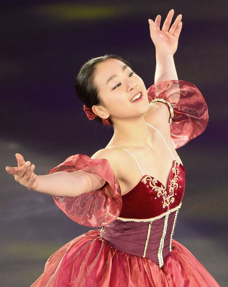 World champ Asada performs in ice show Three-time women's world champion Mao Asada performs during an ice show in the central Japan city of Nagakute on July 29, 2015. She will make her comeback as a contestant at the Japan Open mixed team competition in October. (Kyodo) (1124×1416)