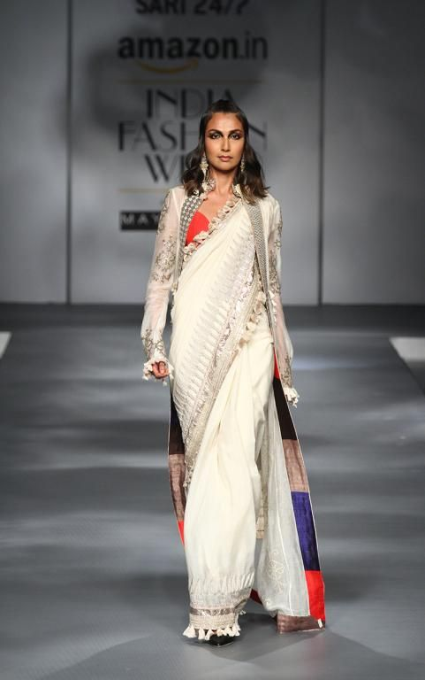 Latest Saree Trends of 2017 - the must have | f-trend