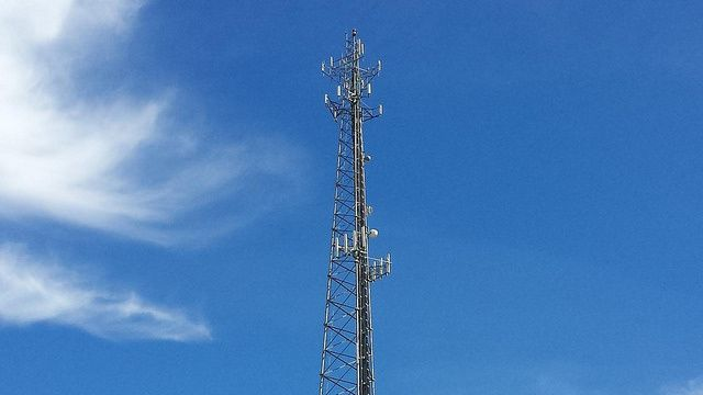 Warrants not required for police to get your cell phone cell-site records | Ars Technica
