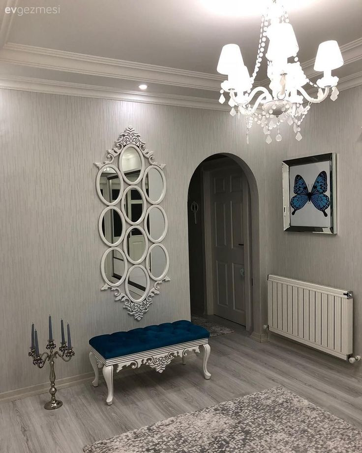 Eingang, Hauch, Kronleuchter, Blau, Kerzenhalter, Teppich, Spiegel   – Antre dekorasyonu