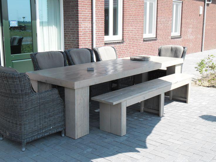 Prachtige steigerhout tafel voor buiten.  Voor contact kunt u altijd mailen of bellen naar rvliet86@hotmail.com / 0622522978