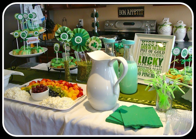 St patricks dayPatricks Yw, Cute Ideas, Breakfast Buffet, Young Women, Patricks Breakfast, St Patricks Day, St Patti, Fruit Trays, Marcy Coombs