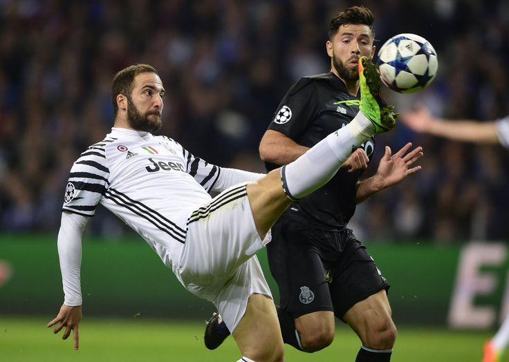 "⚡️ ""EN VIVO: ¡Ya se juega el complemento entre Porto y Juventus!""  https://twitter.com/i/moments/834480425263325185"