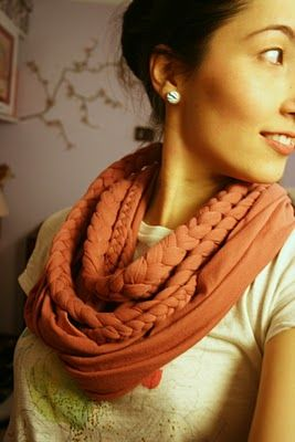 T-shirt Scarf! ok so mine is inspired by this - but the material of the shirt i used was different, so i have a shorter, thinner version of this - more like a necklace or neck warmer