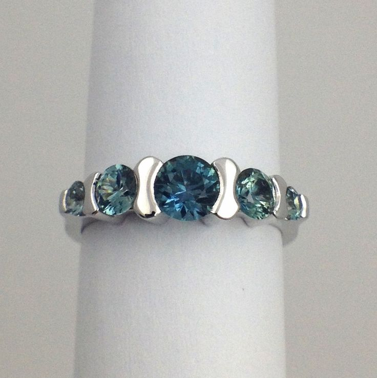 Presidio montana sapphire ring d h sustainable jewelers for Carrelage 7 5 x 15