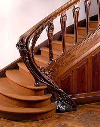 Départ de la rampe d'escalier, en place à la Villa Majorelle. Photo Pierre Mignot.