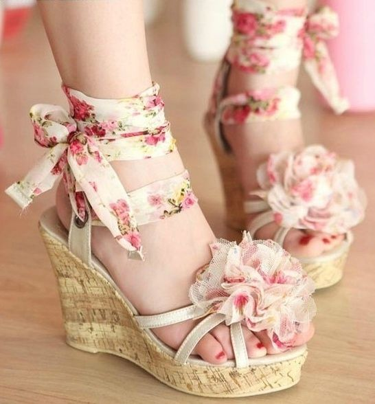 These would be cuter without the frilly flower on the toe