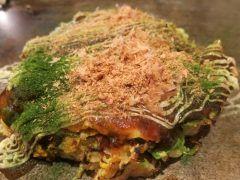 大阪グルメといえば粉もん 特に鶴橋にあるオモニのお好み焼きはおすすめできるね ここのお好み焼きは細切りのキャベツと少量の生地で焼く軽さが特徴のお好み焼き 35種類のお好み焼きに30種類のトッピングを選べて自分好みのお好み焼きが楽しめるのが魅力 tags[大阪府]