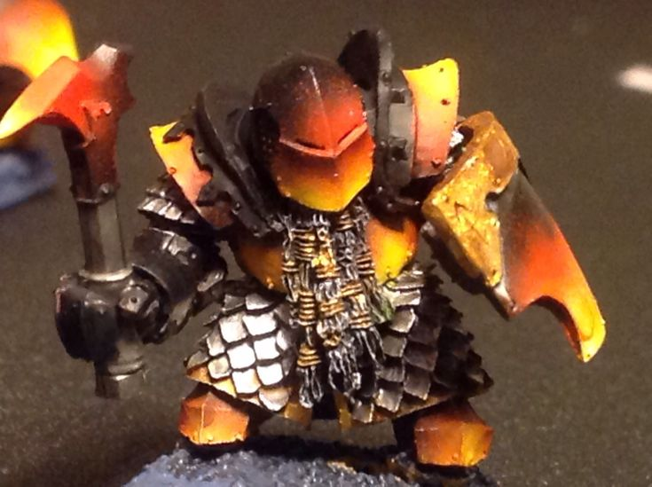 Chaos dwarfs. Infernal guard in molten armor. The bases are not finished.
