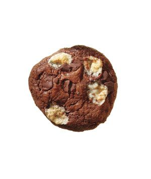 ++ marshmallow chocolate chunk cookiesChocolate Chunk Cookies, Christmas Cookies, Sweets, Chocolates Chunk, Marshmallows Chocolates, Marshmallows Chocolate Chunk, Cookies Recipe, Cookie Recipes, Real Simple