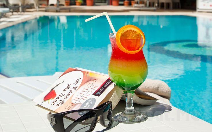 Volley Hotel İstanbul'da Havuz Keyfi, Açık Büfe Kahvaltı Seçeneğiyle 50 TL'den Başlayan Fiyatlarla! - Firsat.me