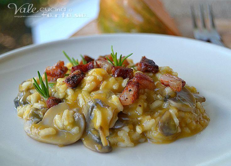 Risotto zucca funghi e pancetta, un gustoso e saporito primo piatto con colori e profumi autunnali, delicato e saporito allo stesso tempo