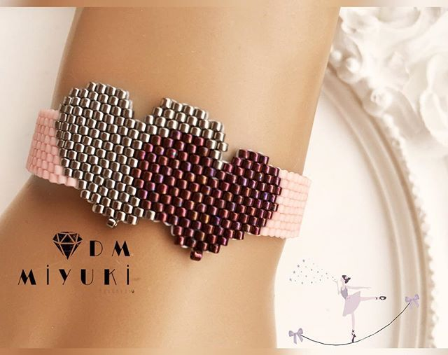 Yeni haftada dilediğiniz ve gönlünüzden geçirdiğiniz her şey gerçek olsun Mutlu Günler • • • • • • #miyuki #bileklik #bracelet #design #handmade #love#jewelry #happy #design #trend #style #takı #girl #instalove #like4like #accessories #aksesuar #moda #aksesuar #fashion #details #instagood #art #instadaily #photooftheday #beatiful #taki #colors #colorful #today#tarz #beads
