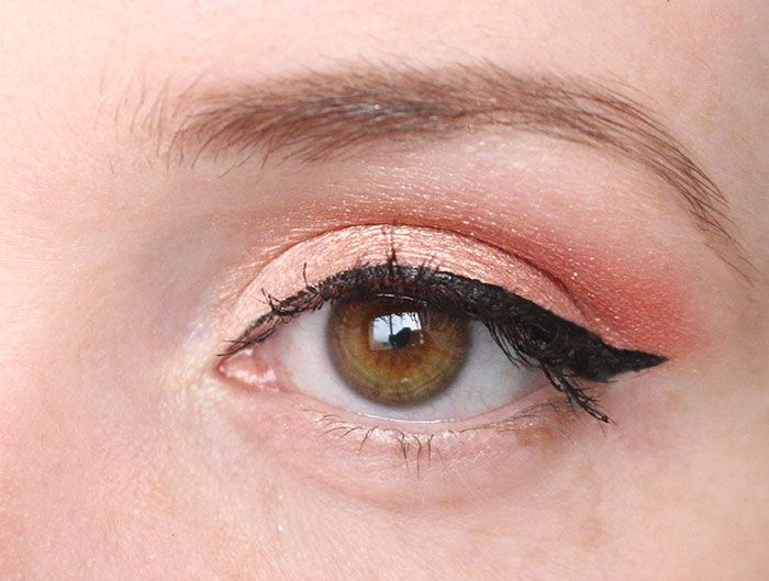 maquillage-yeux-marrons-ete-frais-peche-abricot-corail-kiko-fard-a-paupiere-eyeliner-waterproof-vice3-urban-decay-3