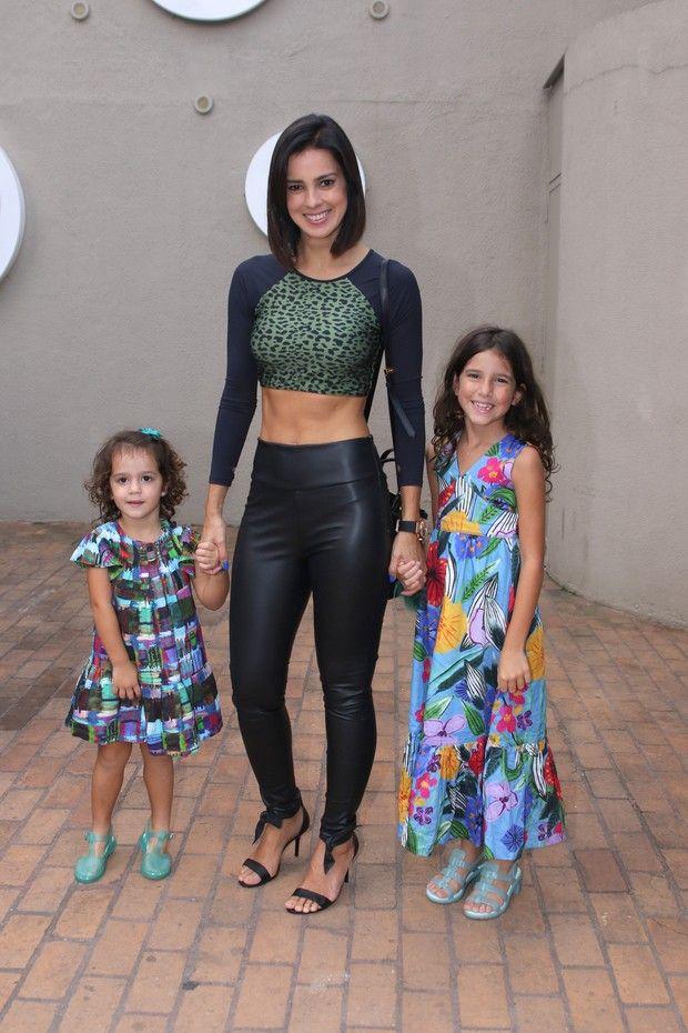 Vera Viel com as filhas (Foto: Thiago Duran/AgNews)