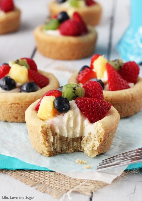 Fruit Cheesecake Sugar Cookie Cups - ON TOP DESSERT RECIPES OF 2015